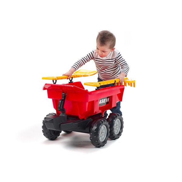 Enfant jouant avec Remorque basculante Case IH Maxi 940CI
