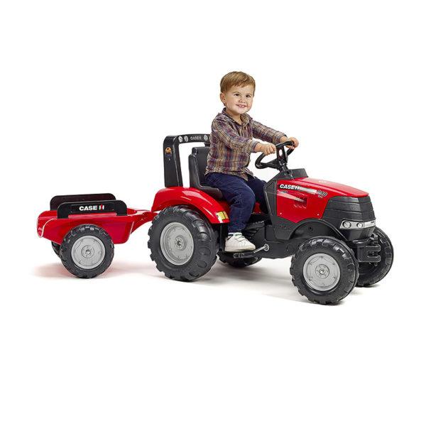 Enfant jouant avec Tracteur Case IH 996AB